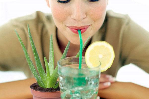 خواص نوشیدنی آلوورا برای پوست و مو